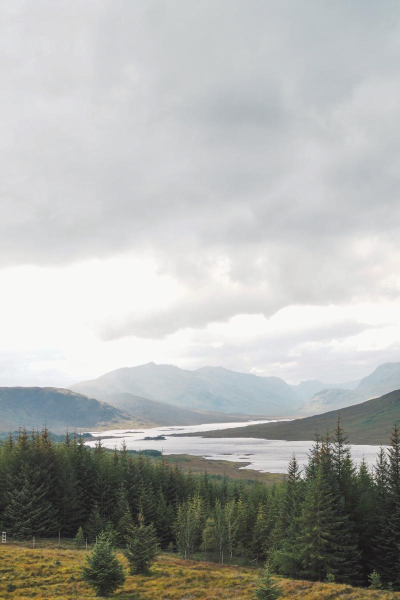 Panorama sur le Loch Ness en Ecosse