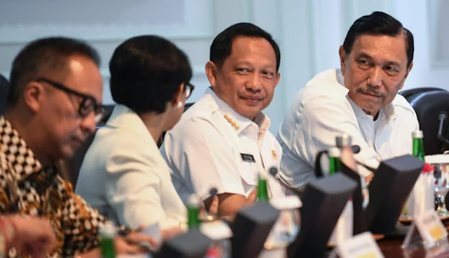 Menteri Tito Gak Mau Kena Reshuffle?
