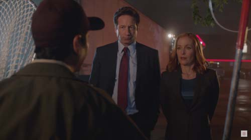 Kumail Nanjiani, David Duchovny, Gillian Anderson in The X-Files