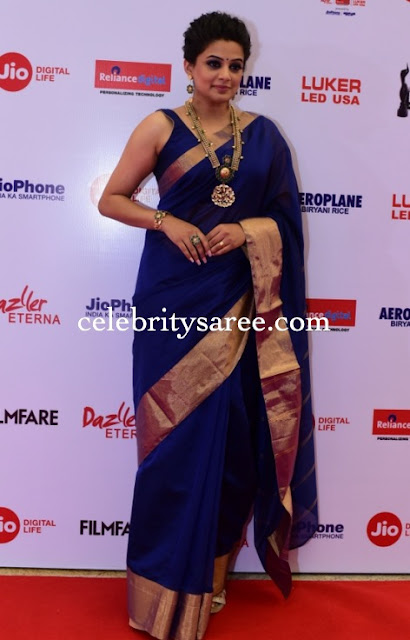 Priyamani in blue saree
