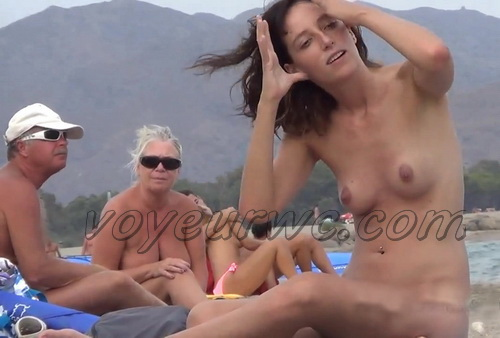 Nude Euro Beaches 20 (Nudist pussies and cunts - beach close-ups. Hidden Cam)