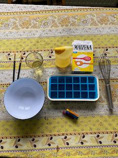 Ustensiles et ingrédients pour la réalisation  de la peinture pour le bain, DIY