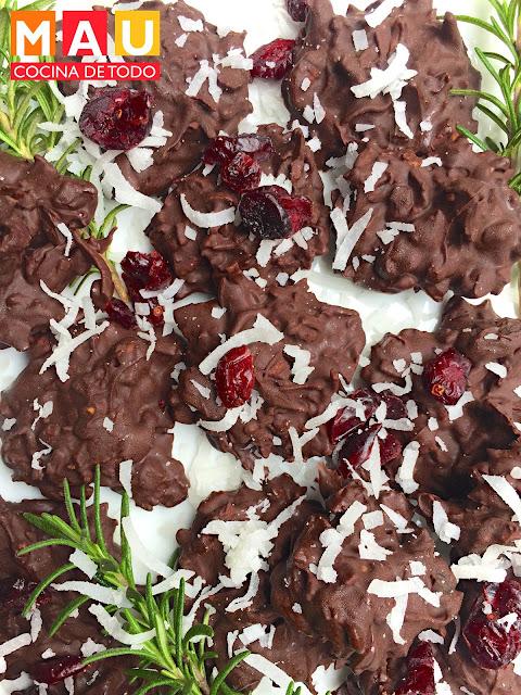 enjambres de chocolate con coco nuez y arandanos facil postre dulce navidad