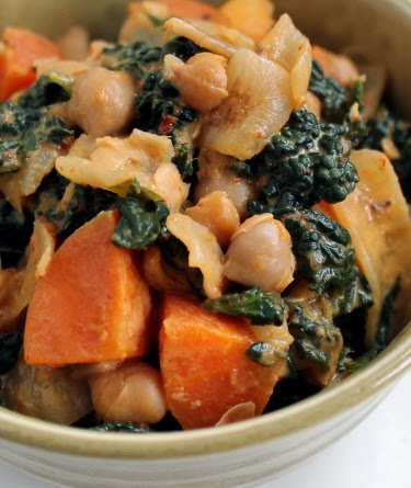 Red curry with chickpeas, carrot, and kale