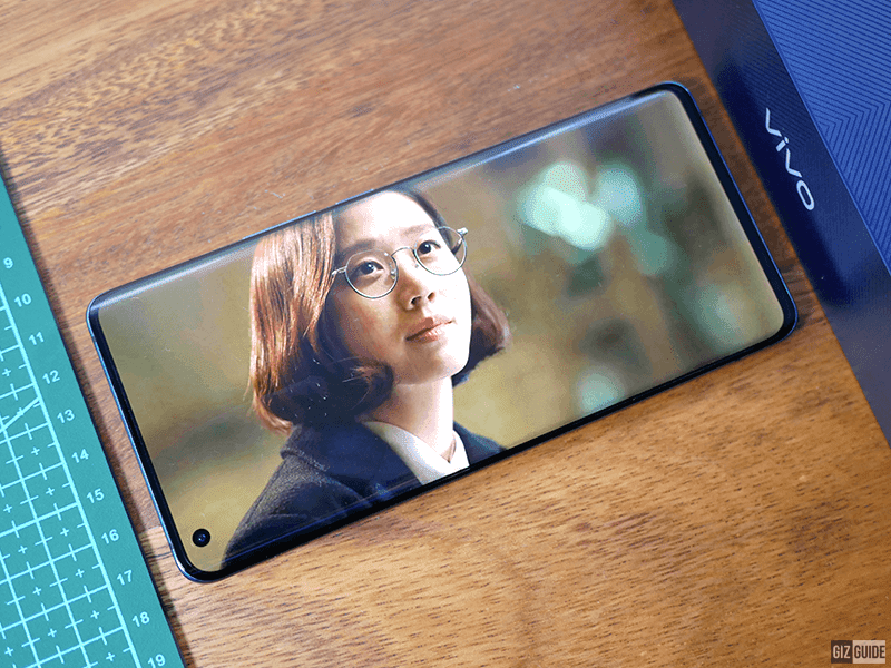 It doesn't feel like a first-generation smartphone