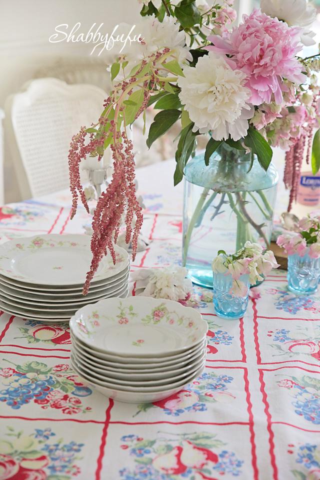 cottage farmhouse dining