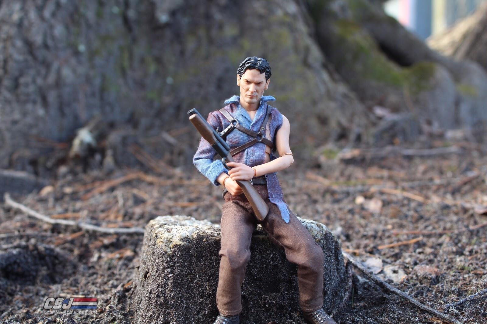 CobraShadowJoes: Mezco Toyz One:12 Evil Dead 2 Ash Williams Figure