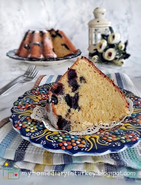 BLUEBERRY LEMON POUND CAKE. Best recipe with video   Çitra's Home Diary. #poundcake #blueberrycake #dessert #coffeecake #buttercake #cakefoodphotography #yabanmersinikek