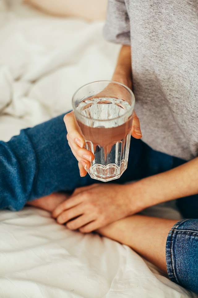 Health Benefits of Drinking Water: How Much to Drink, When, and Why