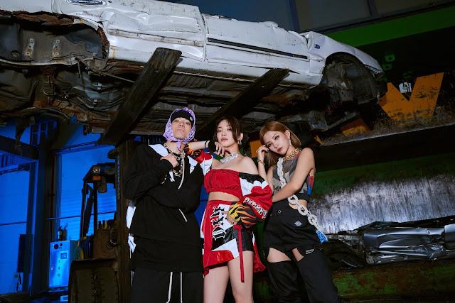 SNSD Hyoyeon Loopy G Idle Soyeon