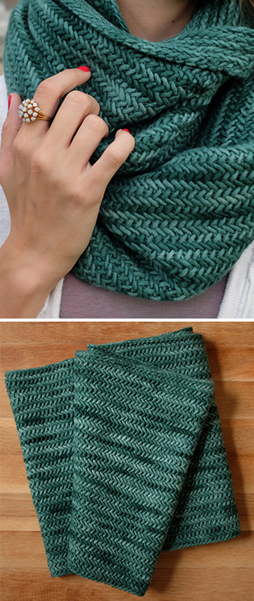 Big Herringbone Cowl - Free Knitting Pattern