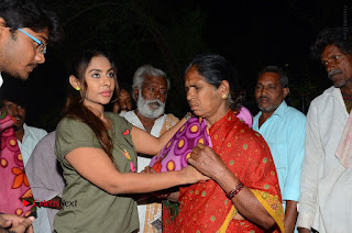 Actress Sri reddy (apthatrust director) Distrubuted Blankets for Orphans at Sai Baba Temple  0055.JPG