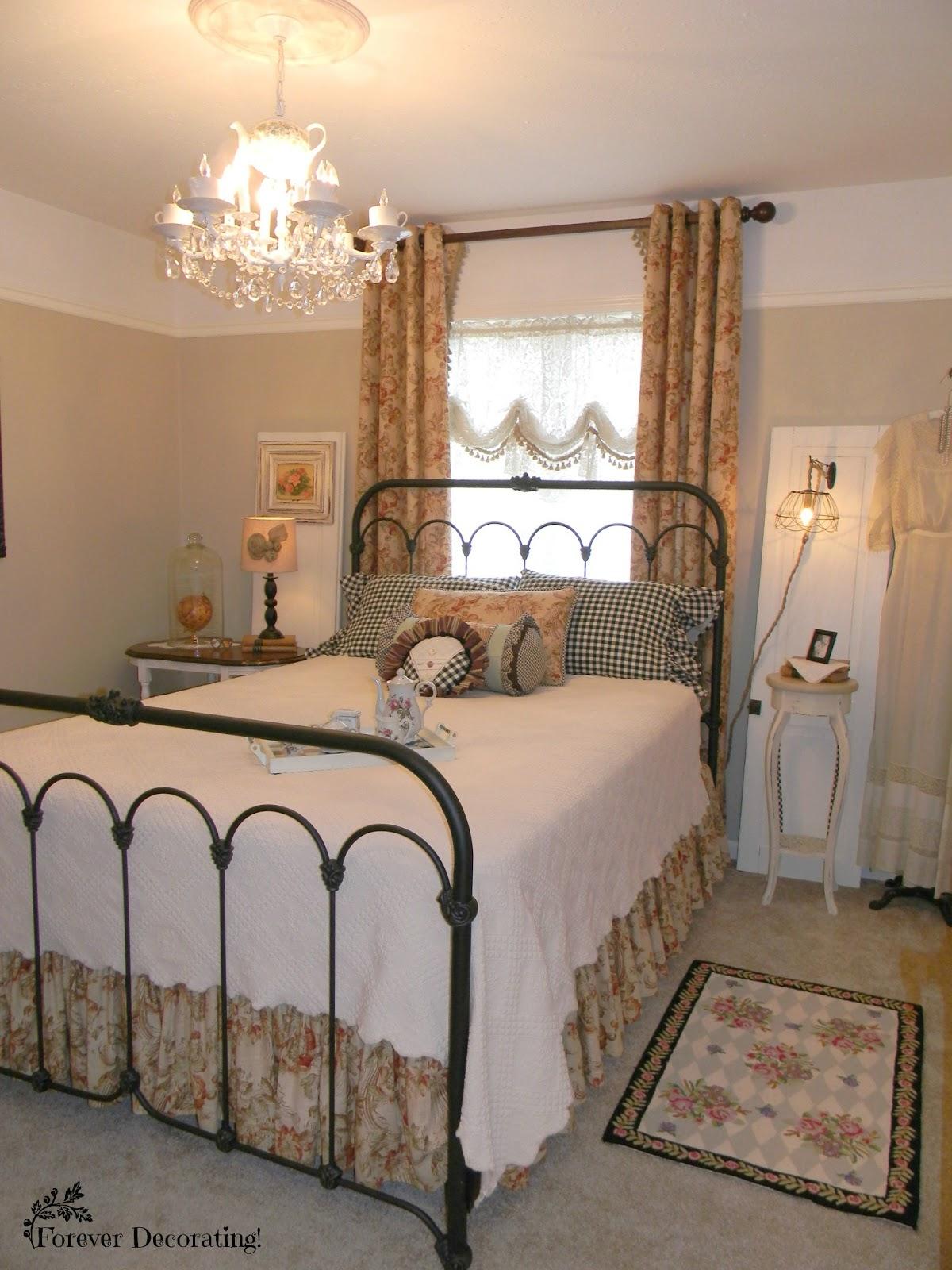 Forever Decorating!: Guest Bedroom Reveal ~ MacKenzie ...
