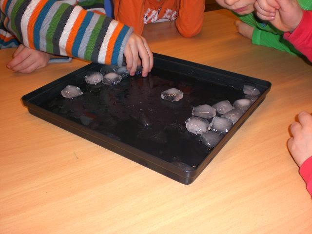 eiswürfel experimente kindergarten