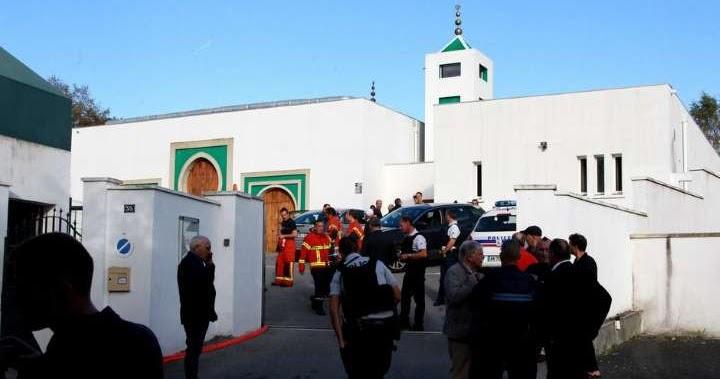 Penembakan di Masjid Paris