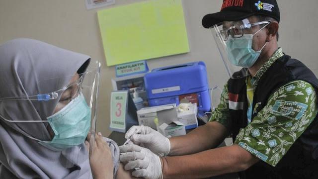 Erni, Seorang Perawat RS Khawatir: 'Kalau Jadi Bahan Percobaan Vaksin Ya Takut Lah'