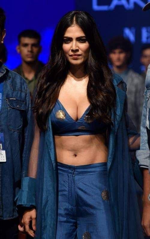 Malavika Mohanan ultra hot at Lakme Fashion Week 2019
