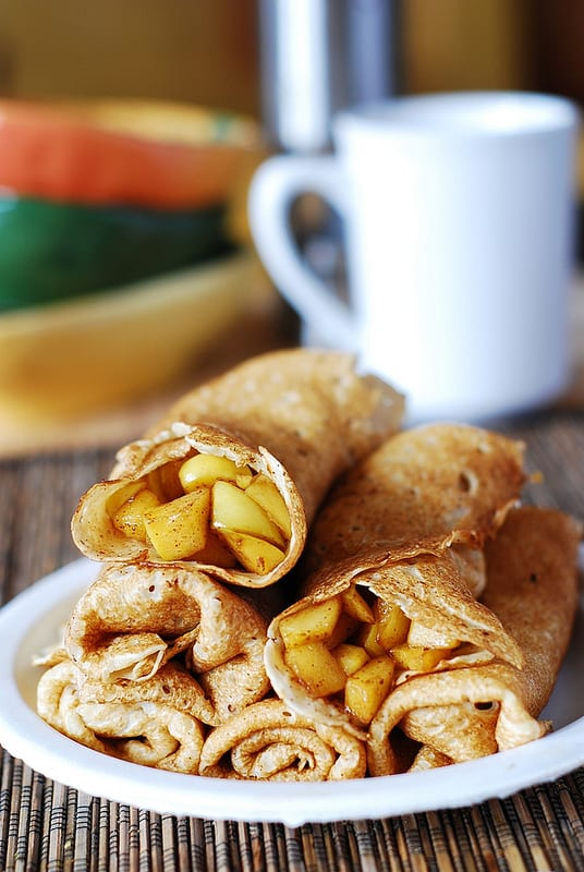 APPLE CINNAMON CREPES #vegan #easy #apple #cinnamon #food