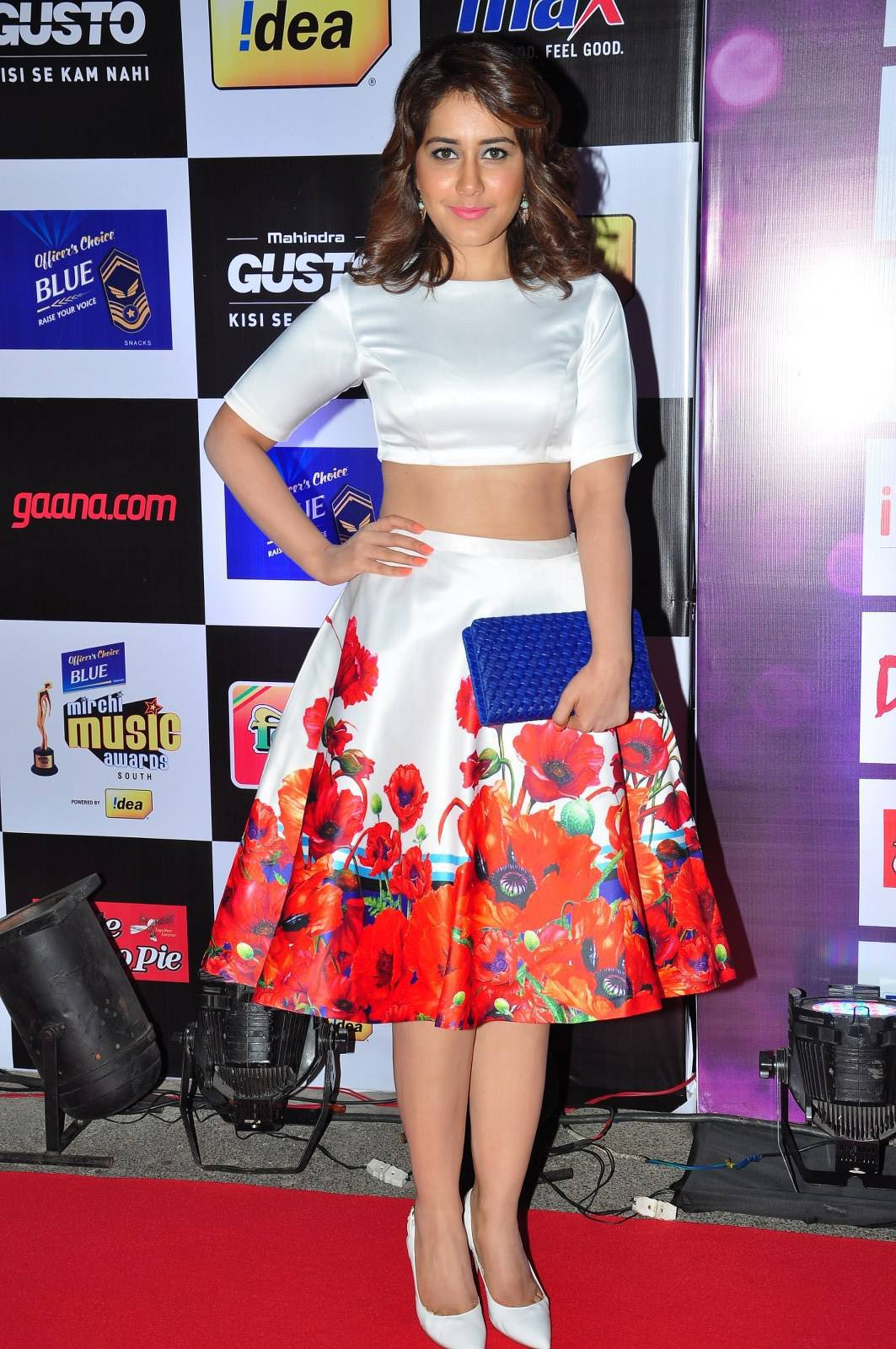 Indian Actress Rashi Khanna at Music Awards In White Dress ❤