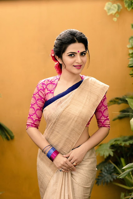 Anchor Dhivyadharshini latest Photoshoot 2016 pics