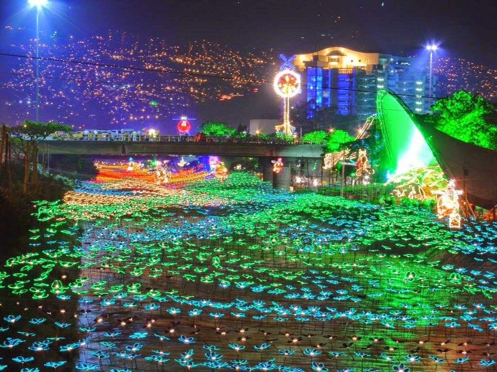 DragonsFaeriesElves&theUnseen : Christmas Lights Around the World - 2014