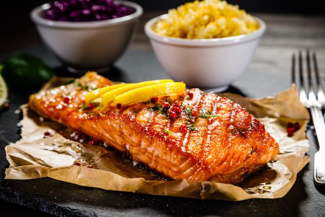 vleesgerechten, visgerechten, menu, kaart