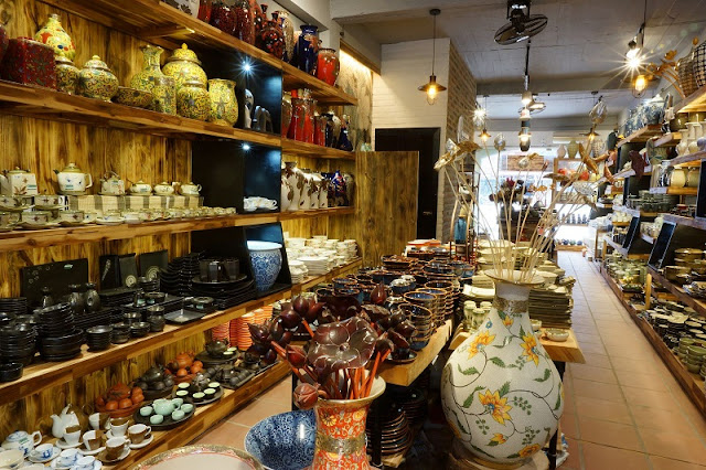 Bat Trang Pottery Village - A Traditional Craft Village 1