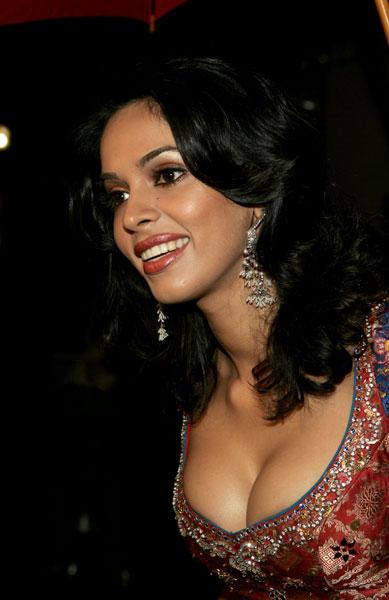 Mallika Sherawat Sexy Image