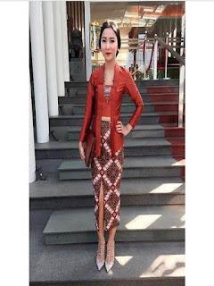 model rok batik panjang untuk kebaya modern