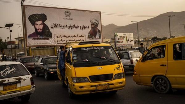 Taliban Mulai Larang Pria Afghanistan Cukur Jenggot