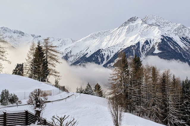 Day trips from Innsbruck for Christmas: misty mountains in Mösern Austria
