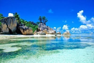 اجمل الشواطئ الطبيعية الخلابة والمميزة الموجودة في العالم