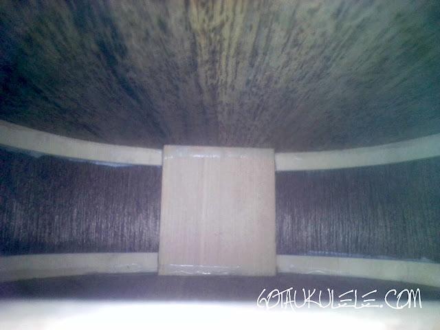Flight WUS-4 Soprano Ukulele inside