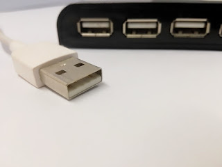 USB cable,