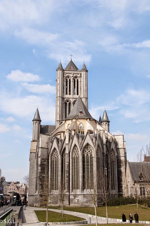 Iglesia de San Nicolas en Gante en Belgica