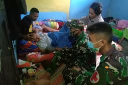 Satgas TNI Pamtas Yonif 403/WP Bantu Evakuasi Warga yang akan Melahirkan di Keerom Papua