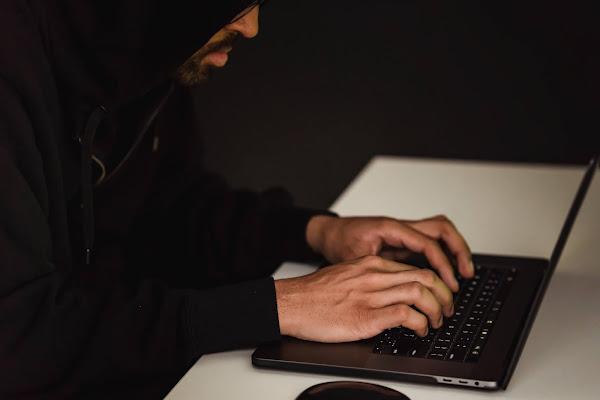 Os seus dados pessoais podem estar à venda na Dark Net