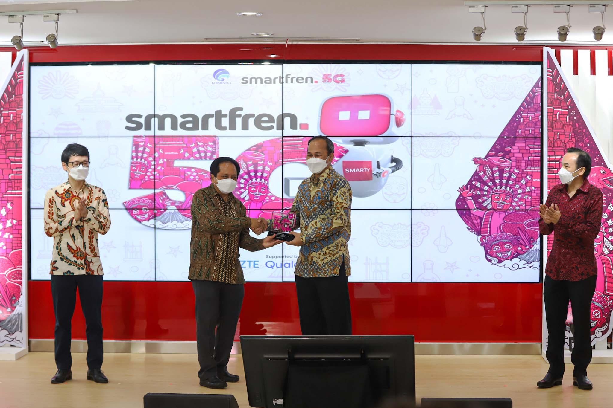 Smartfren Uji Coba Teknologi 5G Bareng Kominfo dan Hasilnya