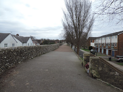 chichester town walls walkway footpath