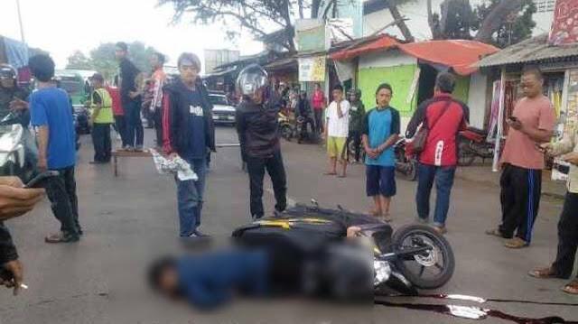 Tragis !!! Coba Menyalip, Pria Di Semarang Ini Jatuh dan Tewas Terlindas Truk.