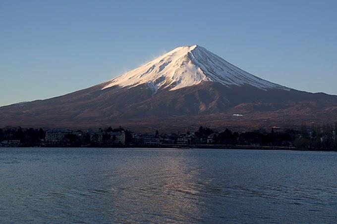 Japón ya tiene su primer Premio Darwin, concedido al hombre que grabó su muerte subiendo al monte Fuji en la temporada en la que está prohibido subir.
