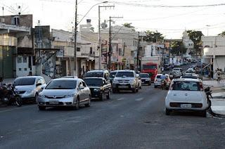 http://vnoticia.com.br/noticia/4459-reuniao-entre-governo-municipal-e-cdl-decide-pela-volta-do-funcionamento-do-comercio-em-sfi