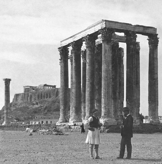 Στο φως η, ξεχασμένη σε κλειστά αρχεία, Αθήνα του 19ου αιώνα