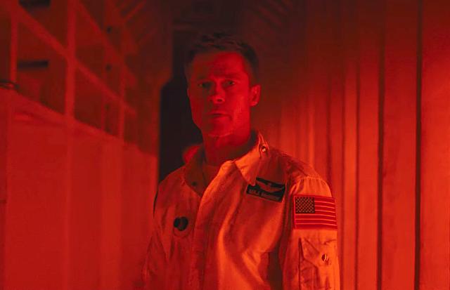 """Novo trailer de """"Ad Astra"""" envia Brad Pitt em uma missão espacial misteriosa"""