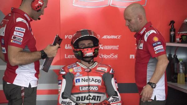Lorenzo Resmi Tidak Ikut Balap MotoGP di Malaysia