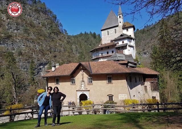 Santuario de San Romedio, Italia
