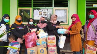 Komunitas SKB Bagikan Bantuan untuk Warga Terdampak Banjir Desa Wonoasri Tempurejo