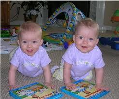 Arti Mimpi Melahirkan Anak Kembar
