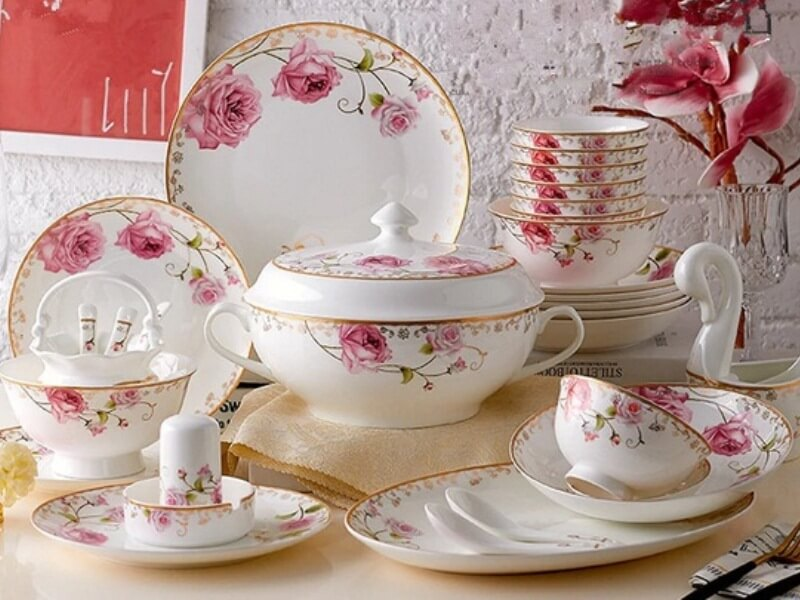Set Pinggan Mangkuk Bone China