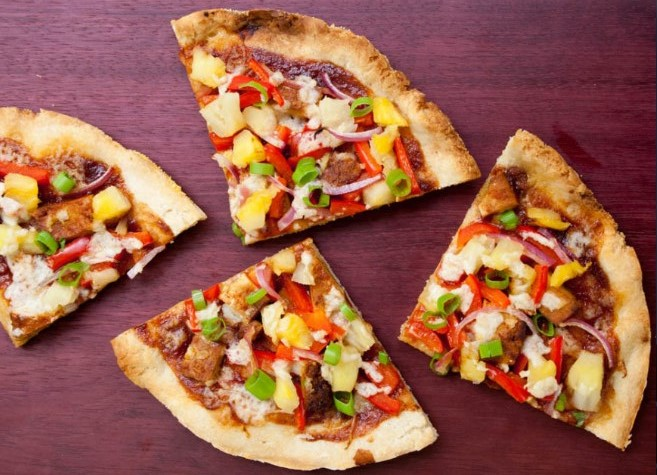 Vegan Hawaiian BBQ Pizza #pizza #vegetarian